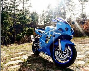 Suzuki - Gsxr - GSX 600R | 21 Mar 2019