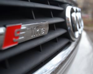 Audi - A4 - 1,8T Quattro | Feb 3, 2014