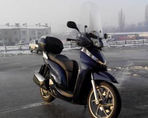 Honda - Sh - 300   15 Apr 2015