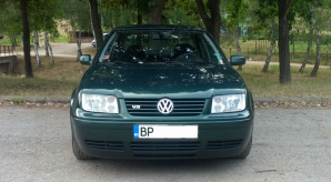 Volkswagen - Bora - 2.3 V5 4motion   20 Aug 2015
