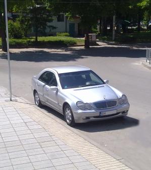 Mercedes-Benz - C-Klasse - C 200 kompressor   23 Jun 2013